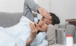 Tác dụng phụ phổ biến nhất sau khi tiêm vắc xin COVID-19: Nên làm gì cho nhanh hết?