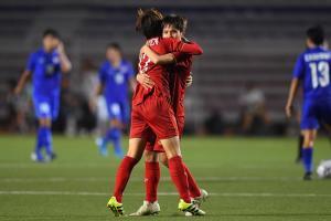 """""""Vùi dập"""" Thái Lan, ĐT nữ Việt Nam vô địch SEA Games 30: Sao Việt """"treo thưởng"""" tưng bừng"""